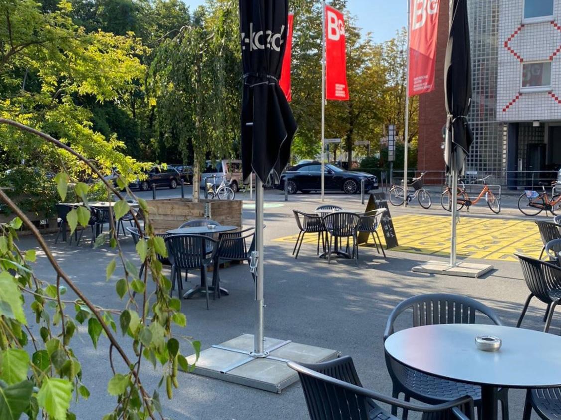 Café Dix in Berlin Kreuzberg mit Terrasse