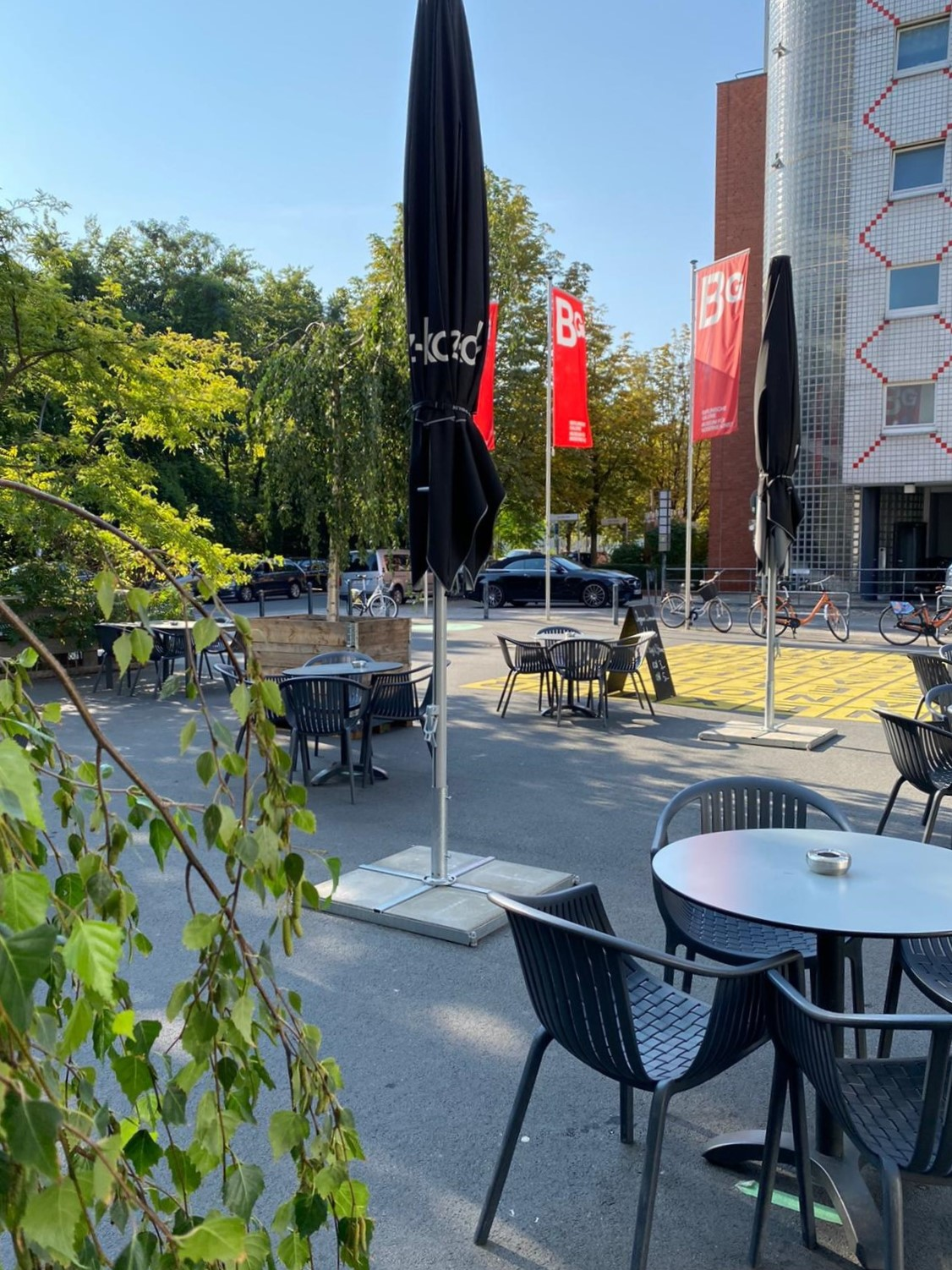 Cafe-Dix-in-Kreuzberg-mit-Terrasse-2