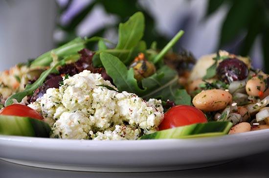 Moderne-Küche-mit-täglich-wechselndem-Business-Lunch-1